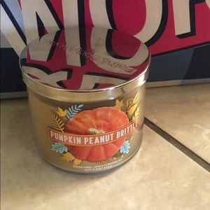 Bath and Body Works Pumpkin Peanut Brittle Candel